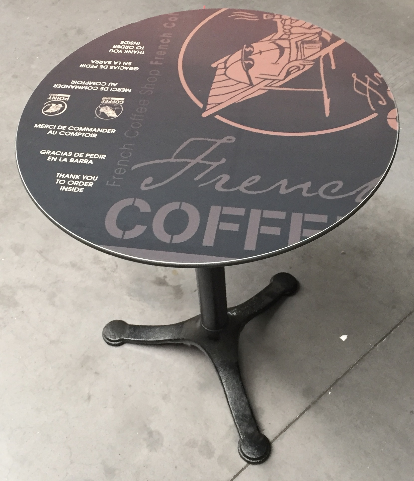 Table personnalisable pour les établissements French Coffee Shop